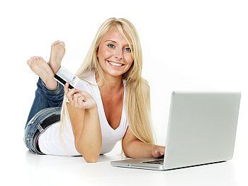 Studentin eröffnet online neues Girokonto